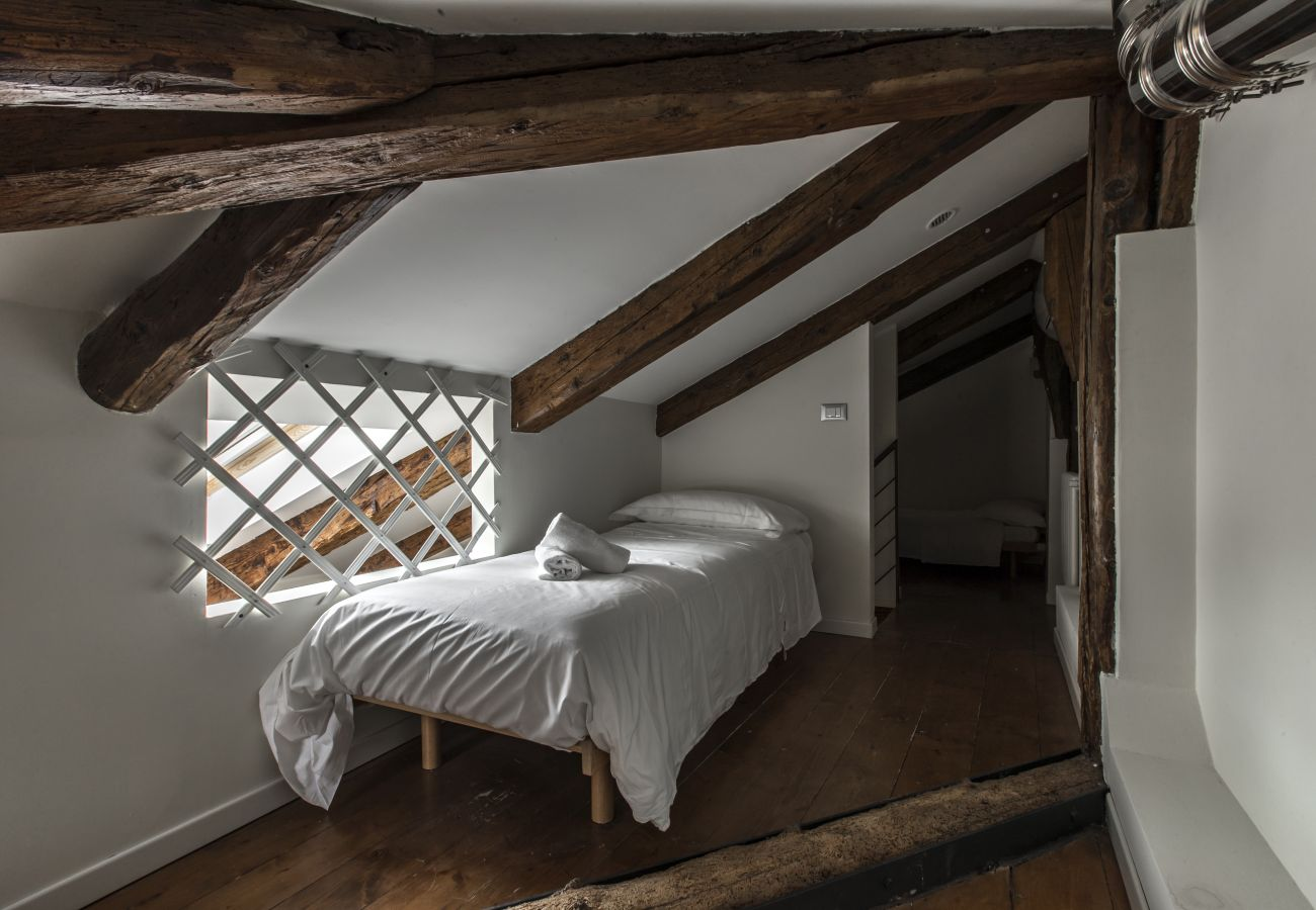 Bedroom for one person