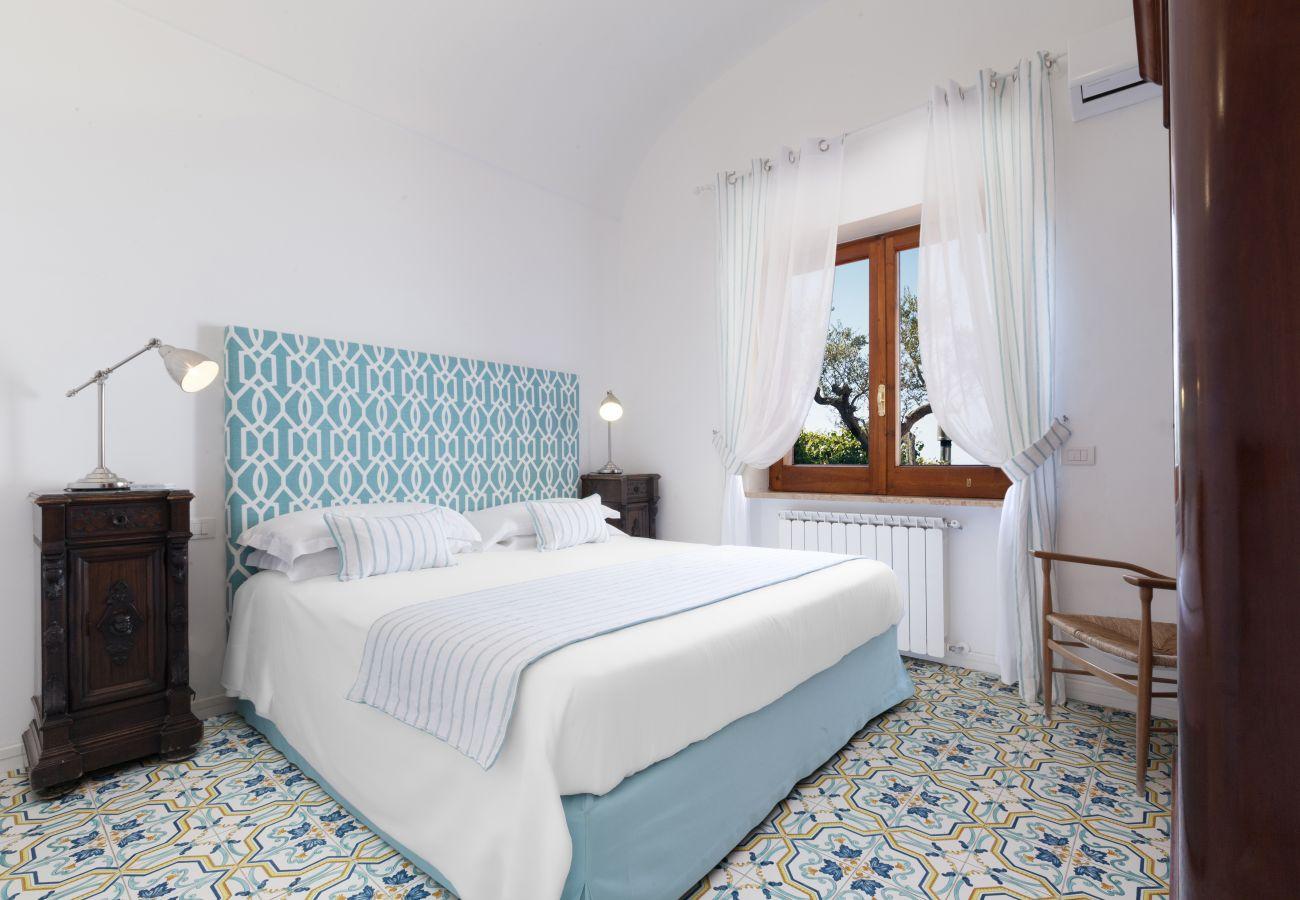 double bedroom with window, villa chez piè, vacation villa massa lubrense, italy