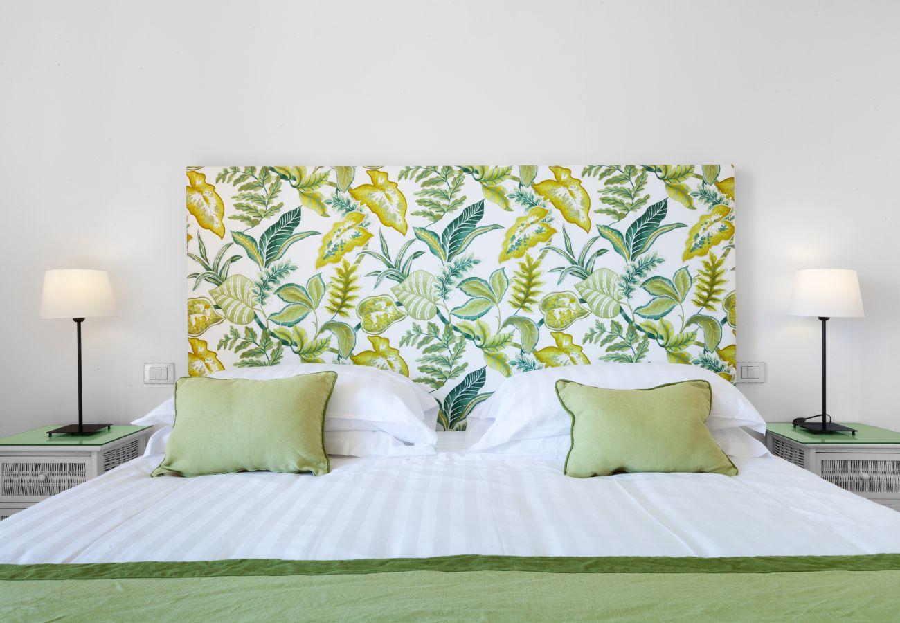 second double bedroom, green, villa chez piè, vacation villa massa lubrense, italy