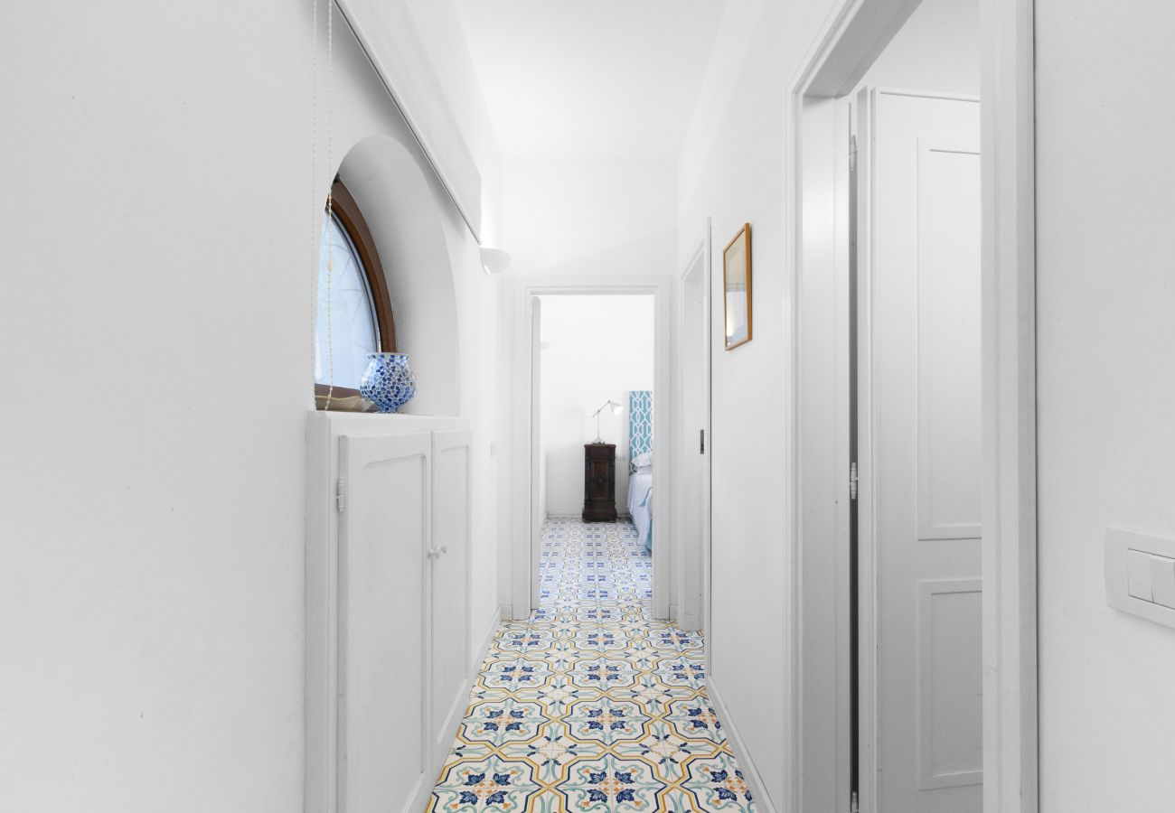 corridor to the bedrooms on the first floor, villa chez piè, vacation villa massa lubrense, italy
