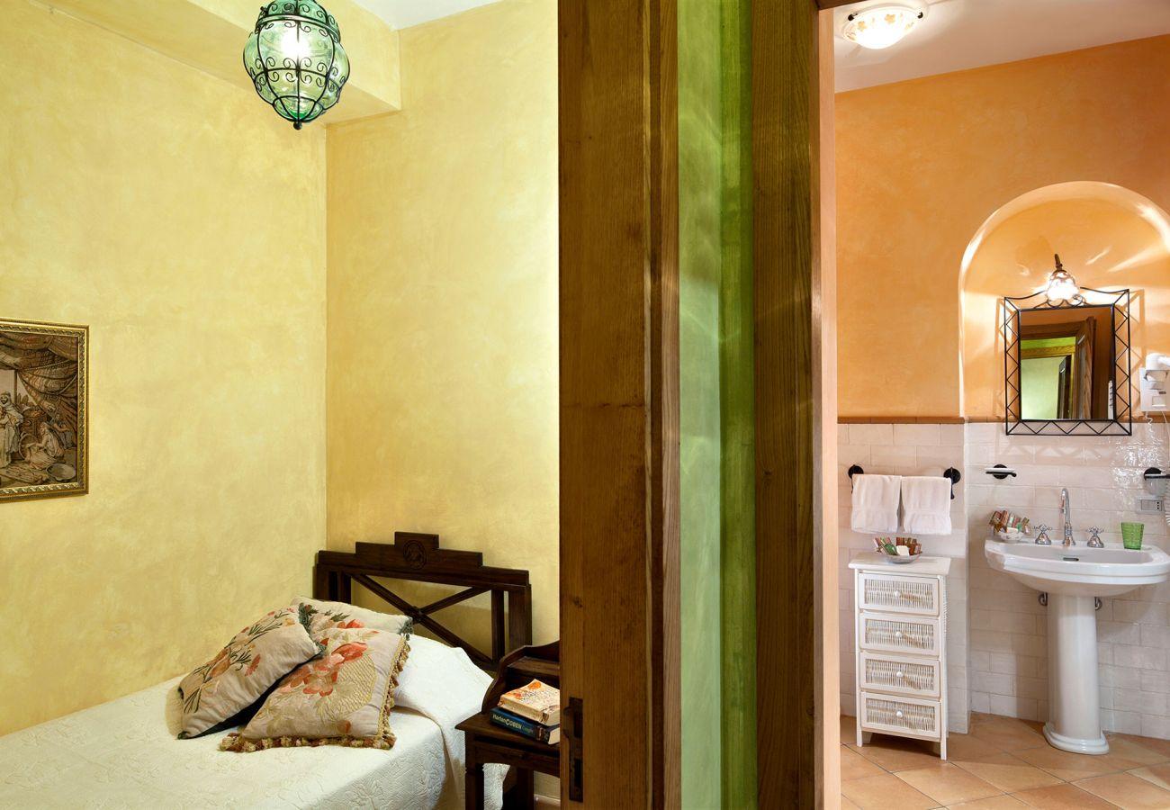 single bedroom, casale la torre, holiday apartments near sorrento, massa lubrense, italy