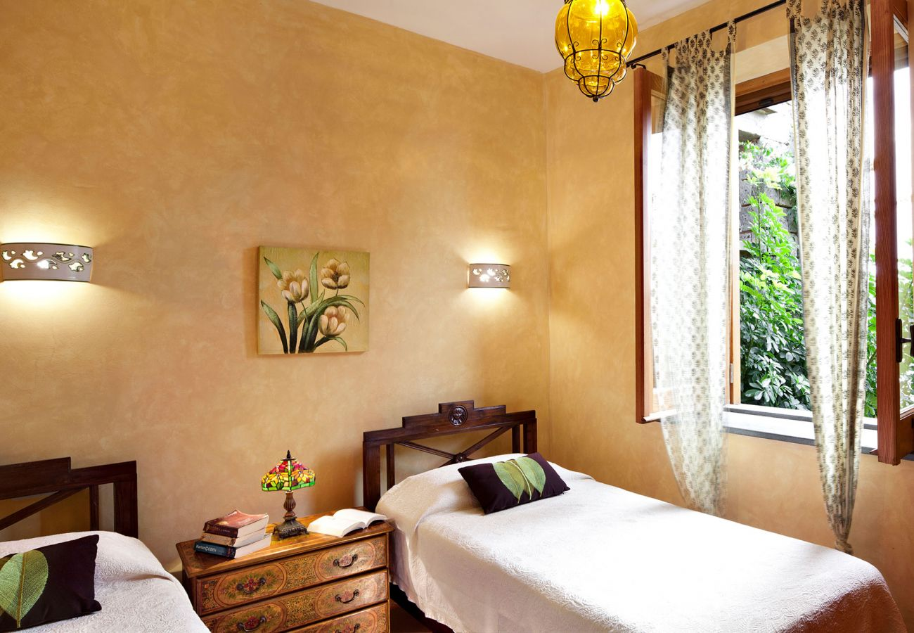 bright twin bedroom verde apartment, casale la torre, residence near sorrento, massa lubrense, italy