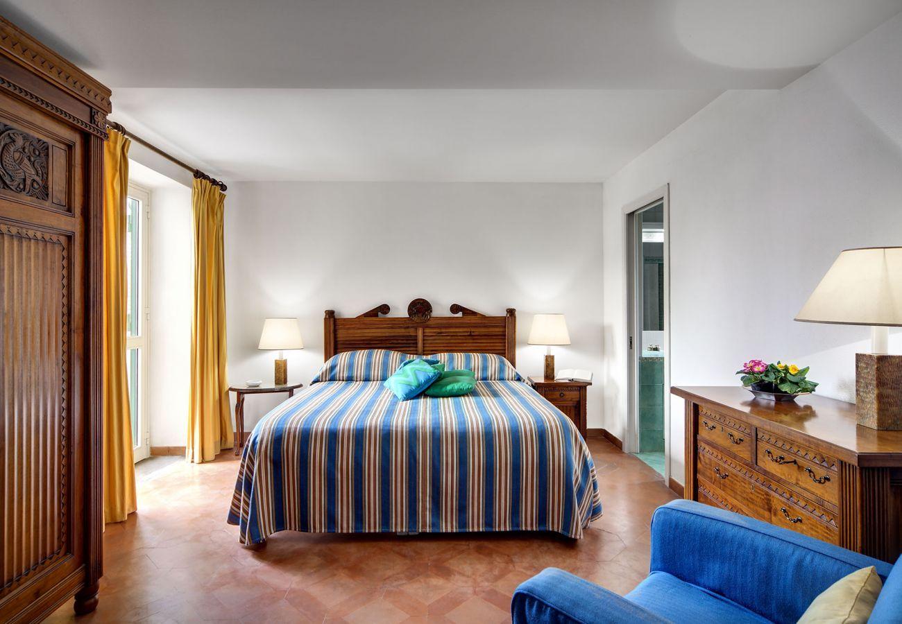bright classic double bedroom, villa il gioiello, sorrento, italy