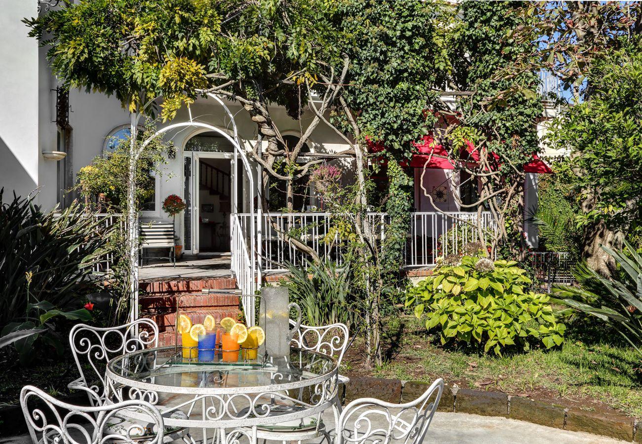 typical italian garden, vacation villa la casa bianca, massa lubrense, italy