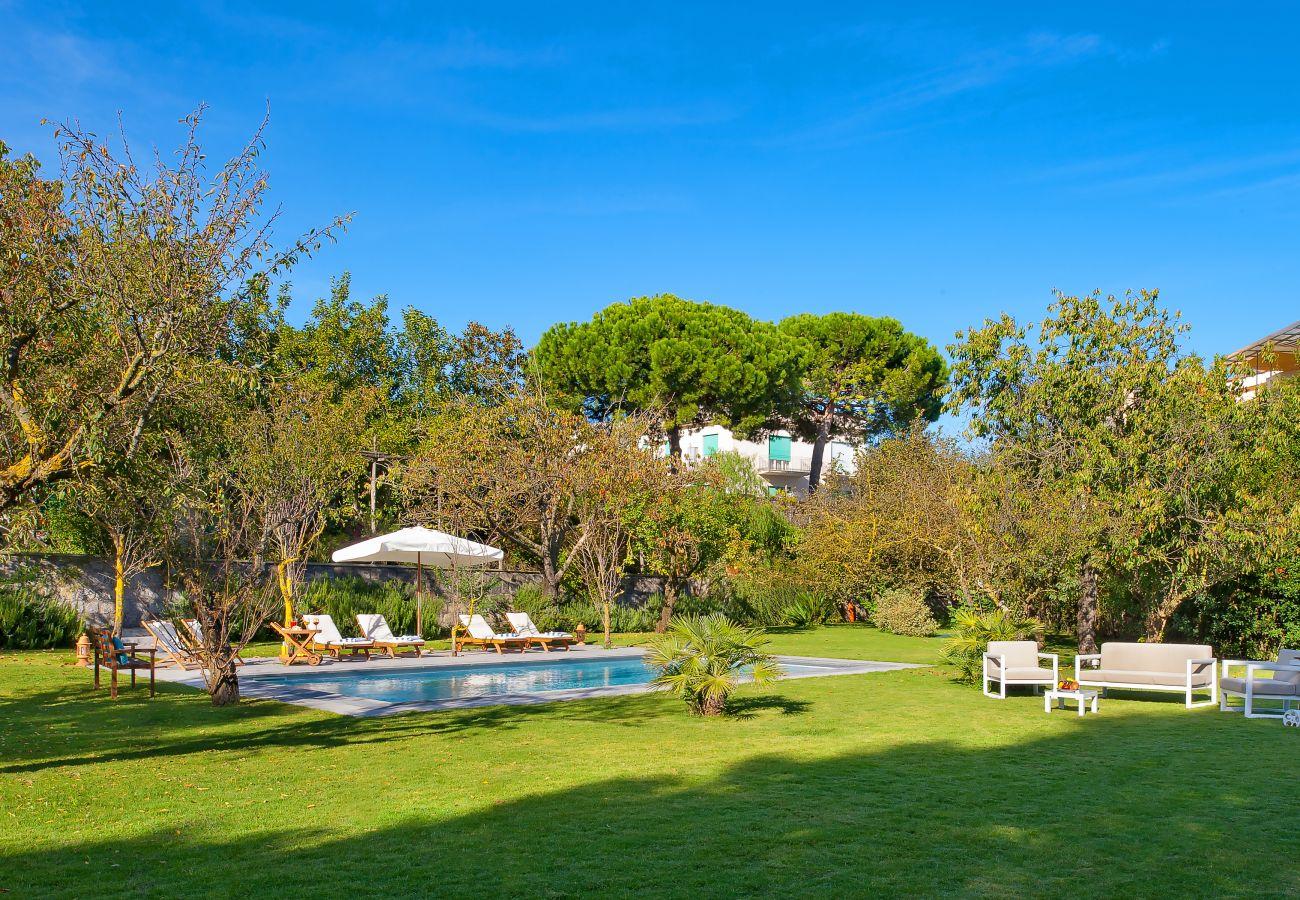 Villa in Massa Lubrense - La Casa Bianca, Pool and Garden