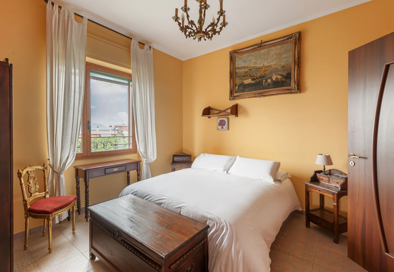 bright double bedroom with window, la musica holiday apartment sorrento city center, italy