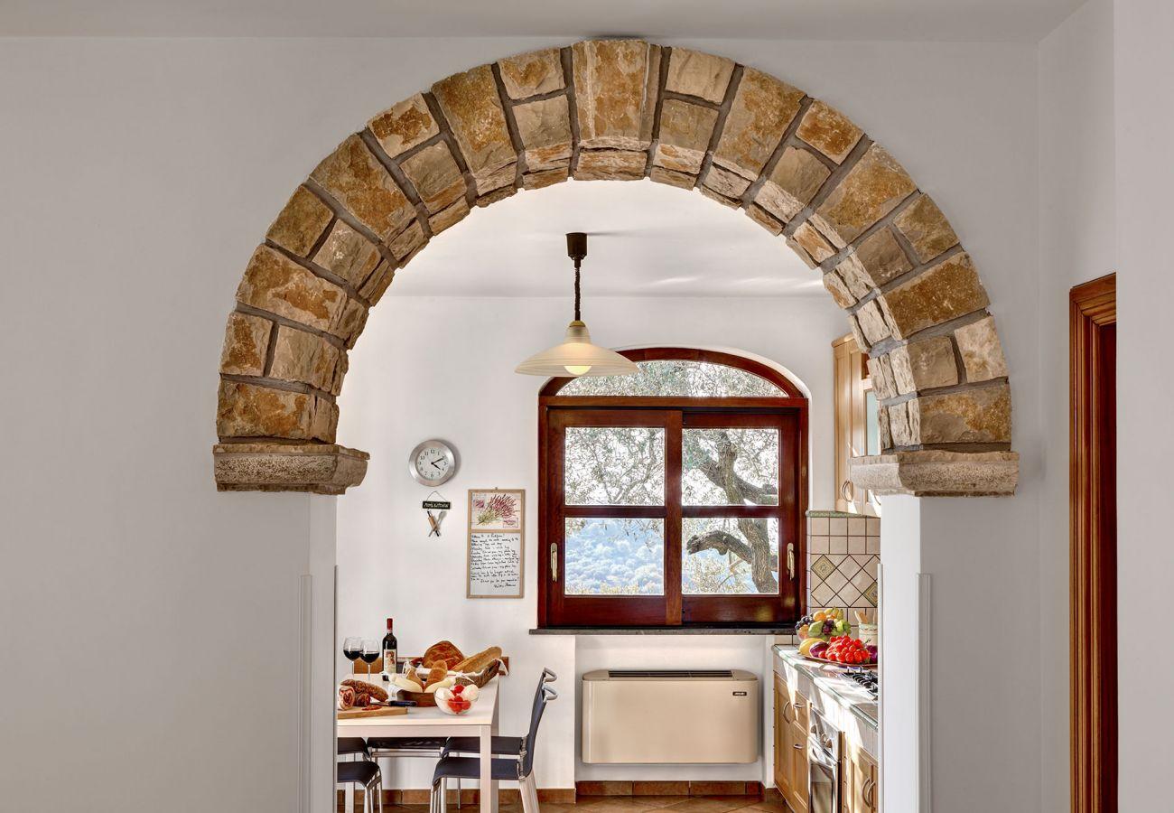 internal stone arch, tulipano house, massa lubrense, italy