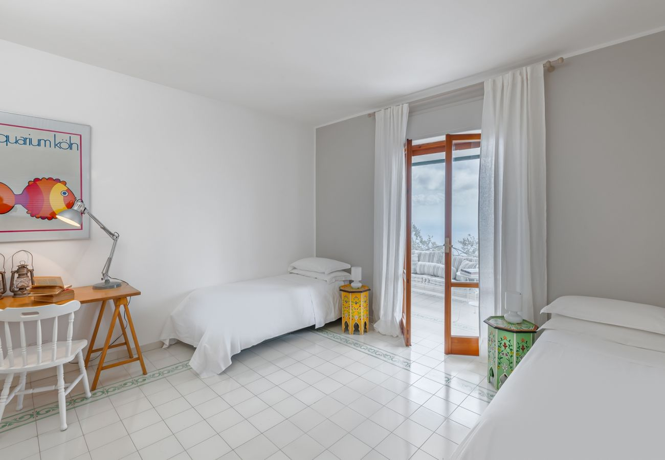 bright twin bedroom, villa alfonsina, massa lubrense, italy