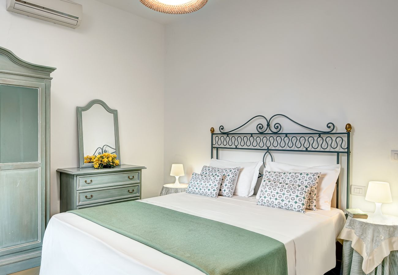 classic double bedroom, vacation villa marinella, nerano, massa lubrense, italy