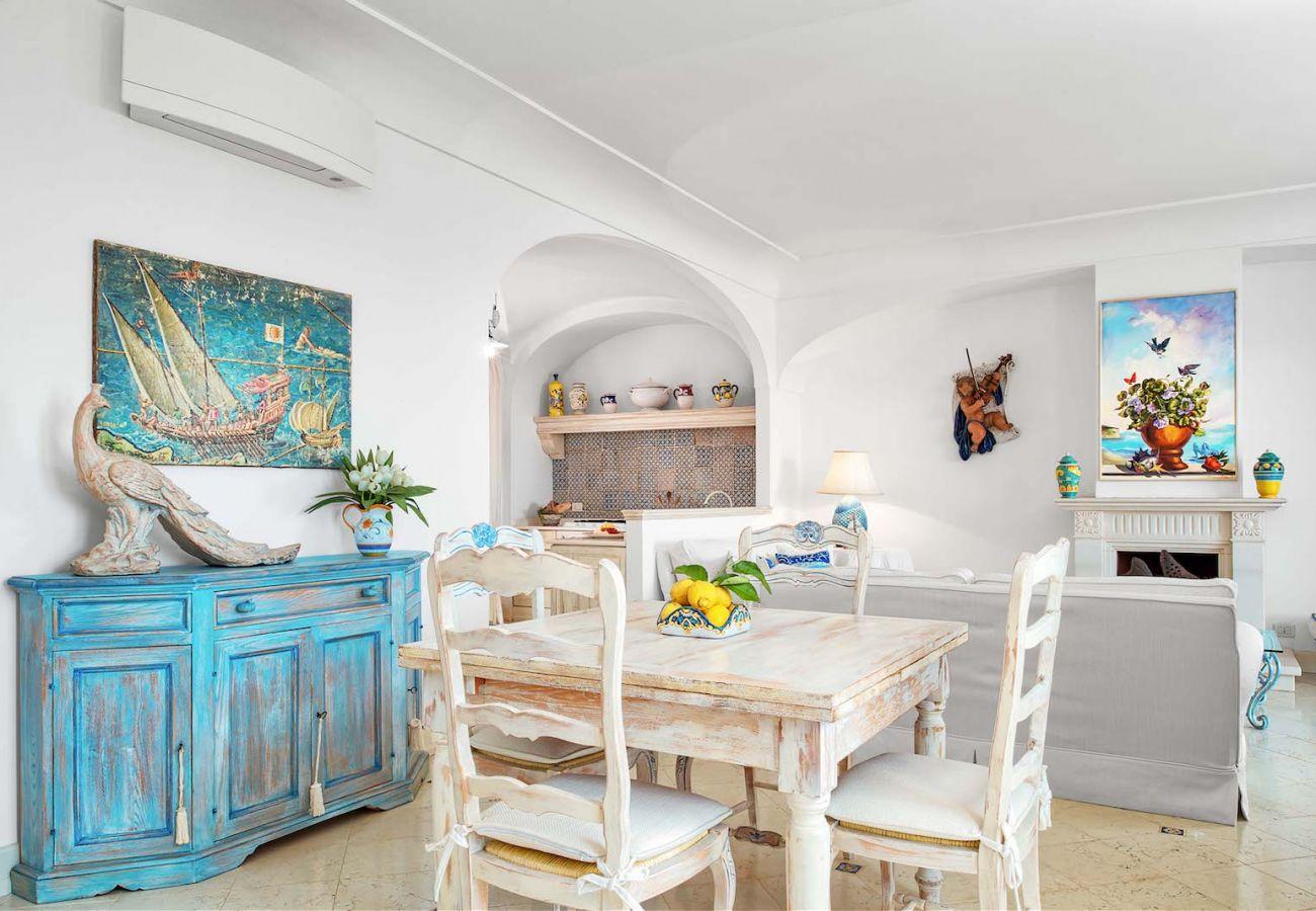 dining room villa nana