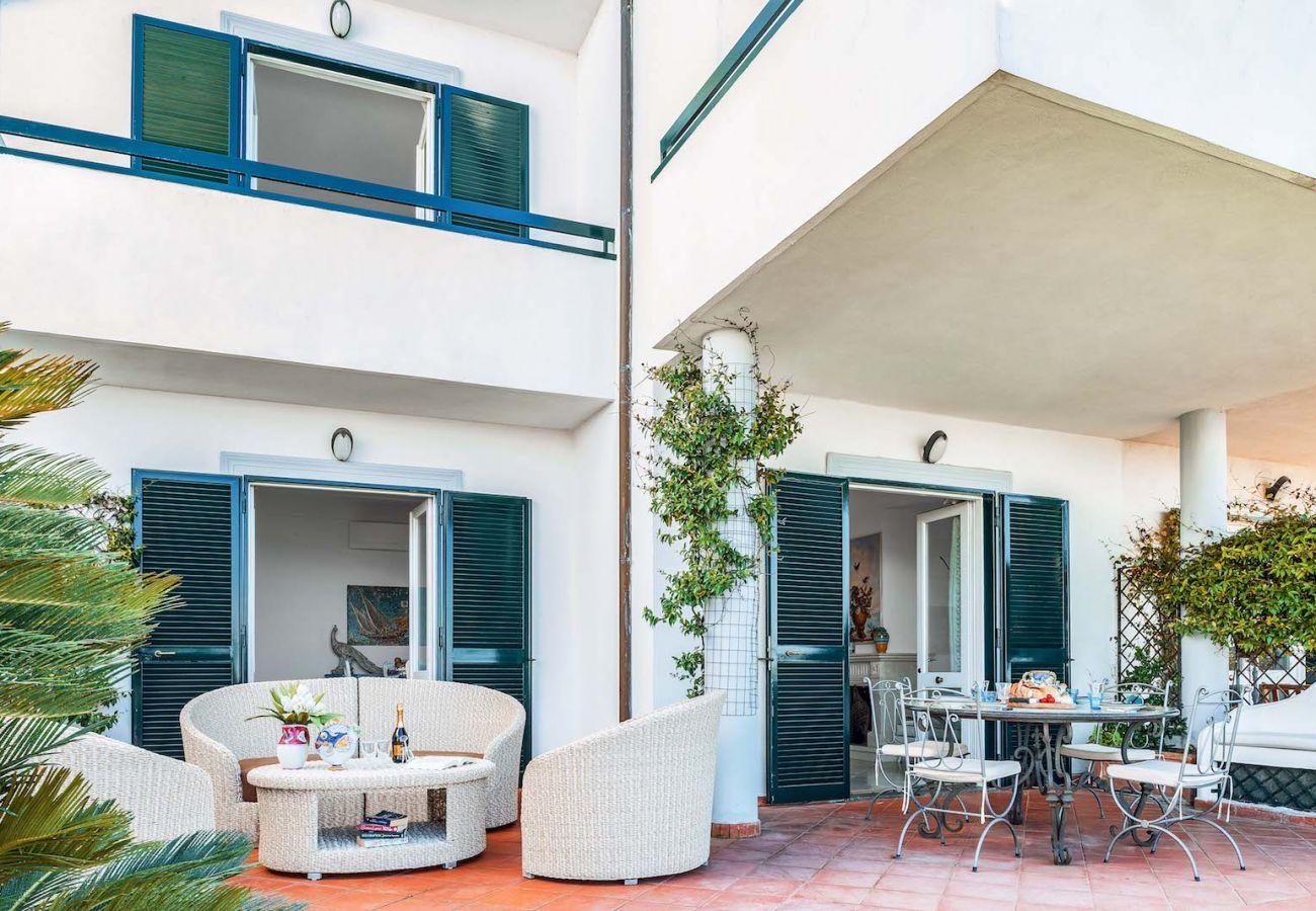 external patio villa nana