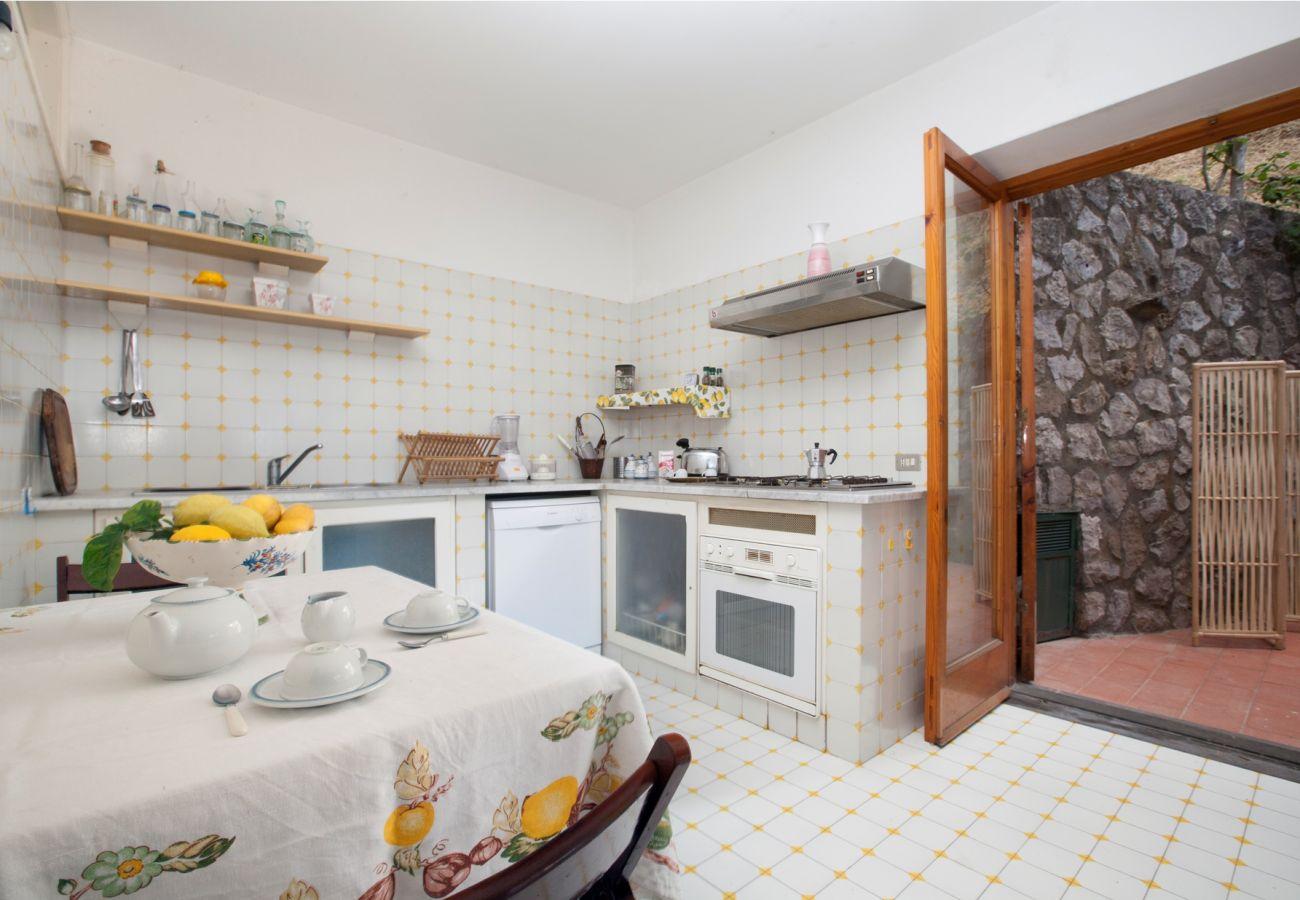 kitchen, holiday villa sterlizia, massa lubrense, italy