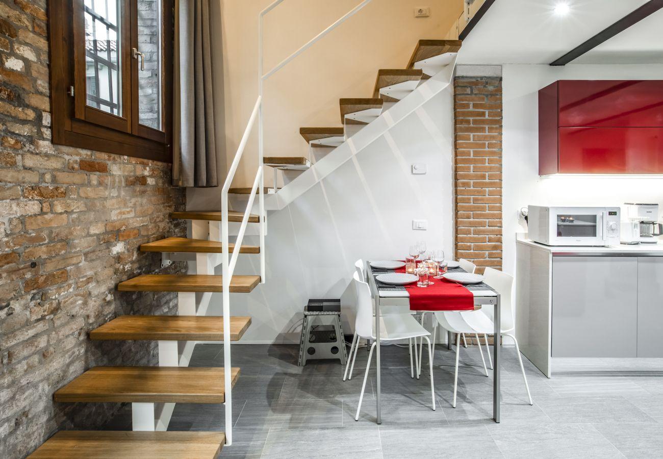 Apartment in Venice - Industrial Loft Venice R&R