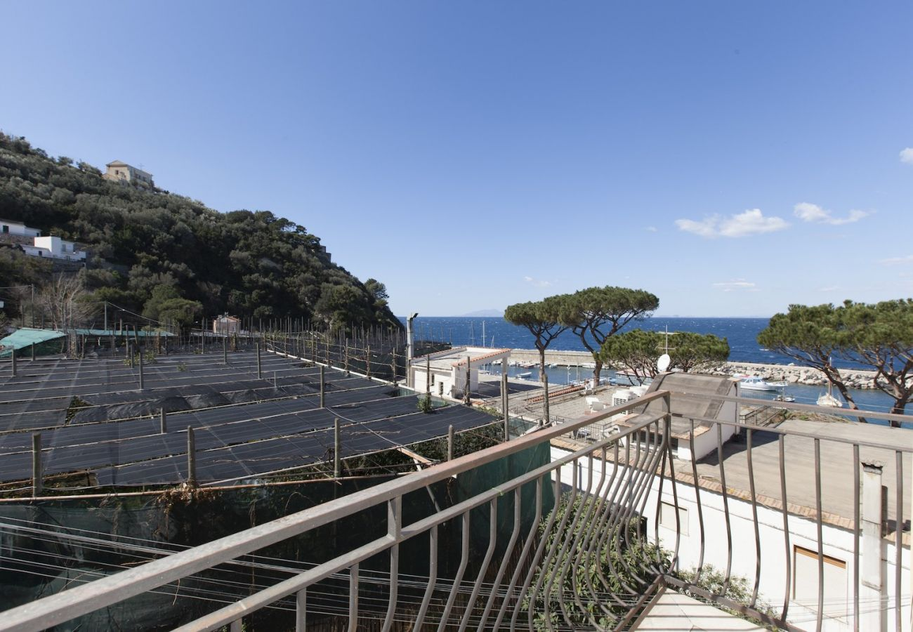 seaview balcony, holiday apartment in massa lubrense harbor