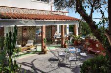 furnished outdoor patio, vacation villa seaside in massa lubrense