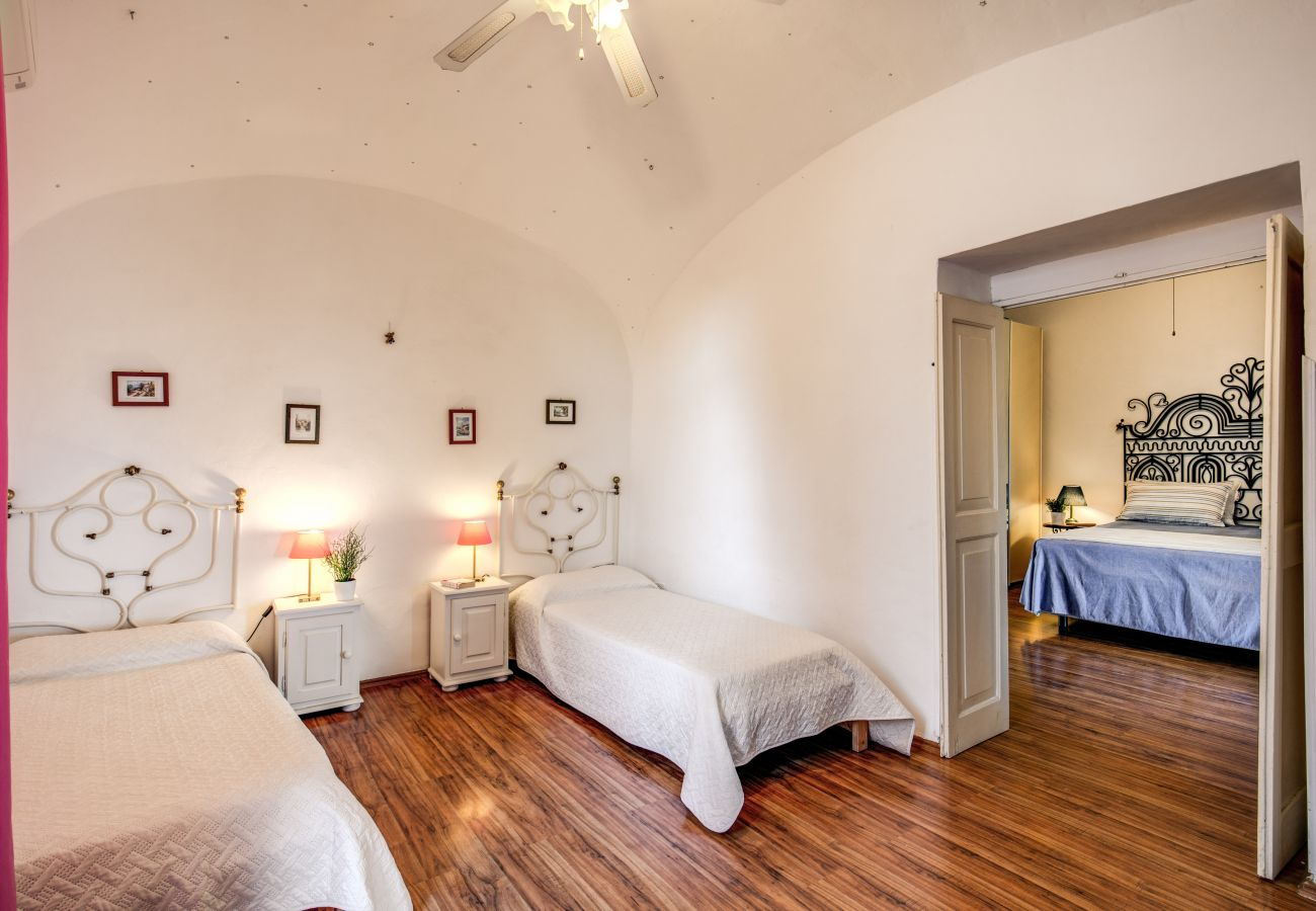2 bedrooms, one twin and one double, villa for rent in massa lubrense, amalfi coast