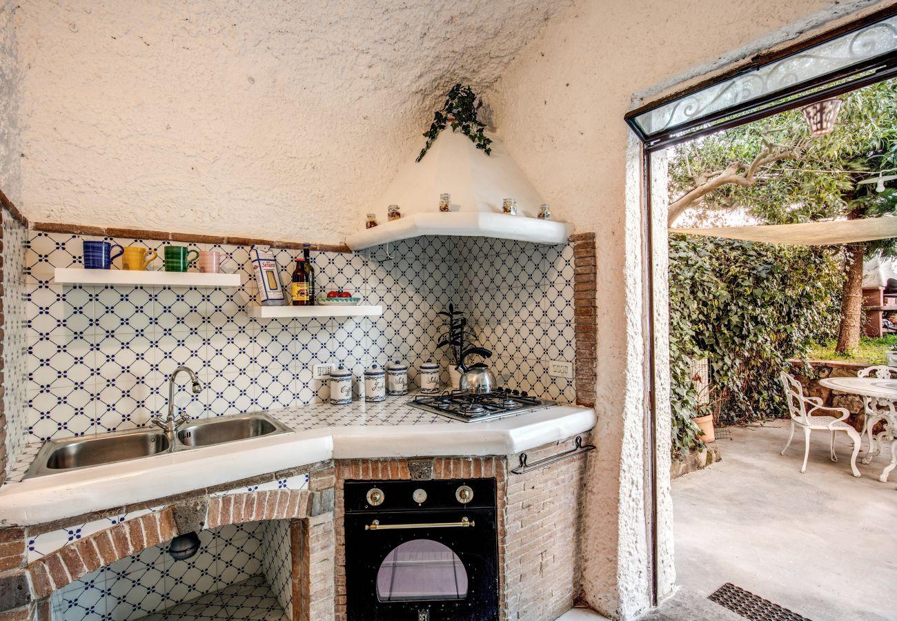 fully equipped kitchen, amalfi coast villa rental, feeling italy