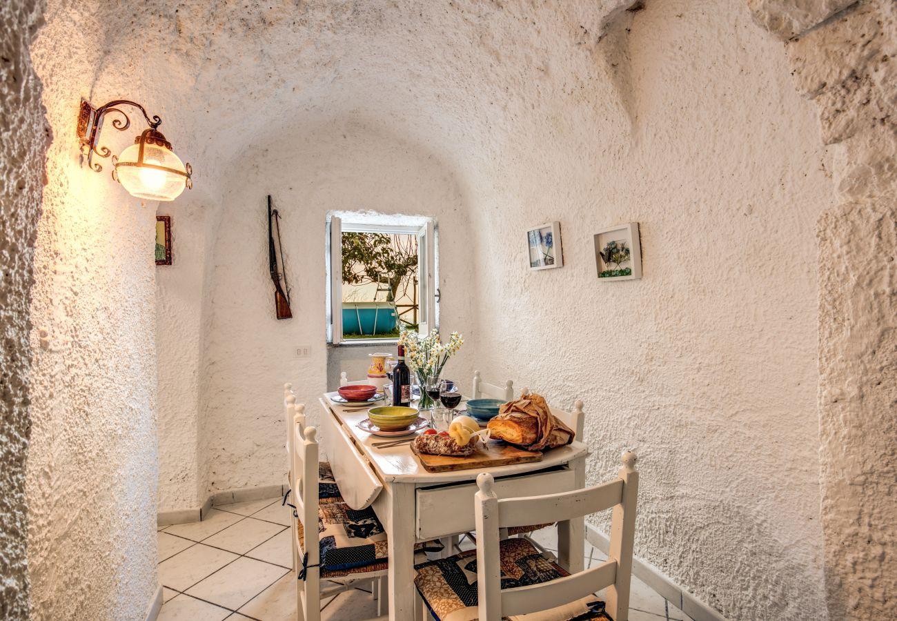 rustic villa rental on the amalfi coast, dining room