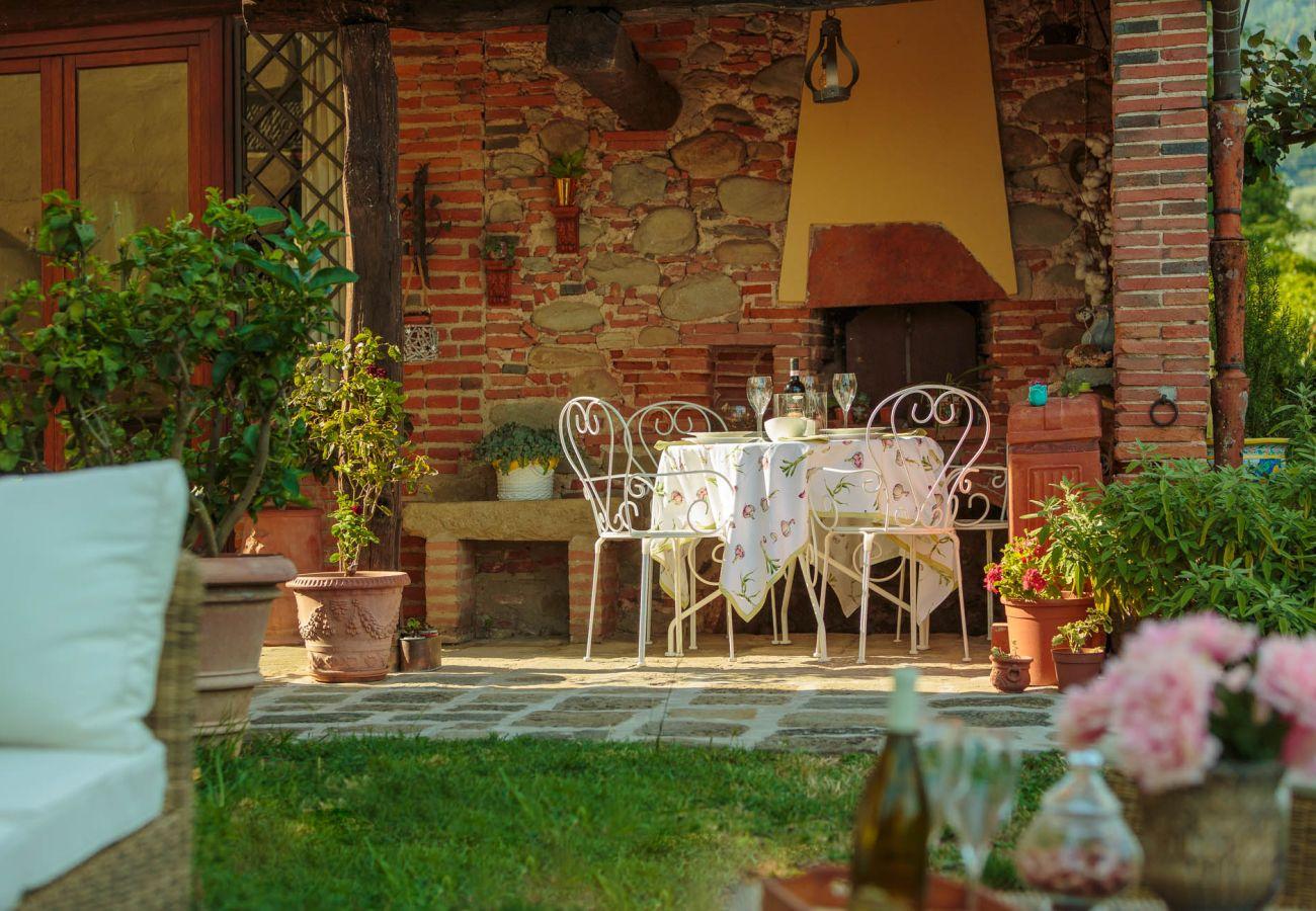 Villa in Uzzano - Rosyabate Cottage