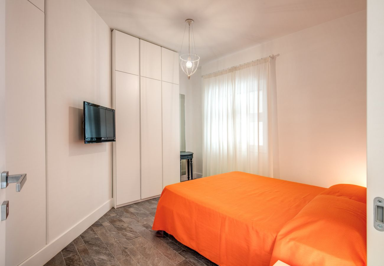 double bedroom with bright window, casa sofia