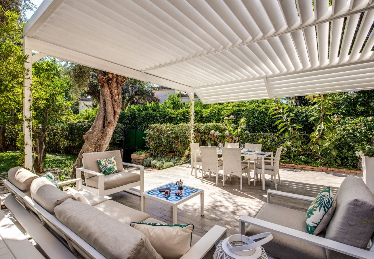 garden and furnished patio, during sunny days, casa sofia